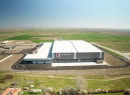 Заснемане на клип за фабрика, завод, база, борса или производство